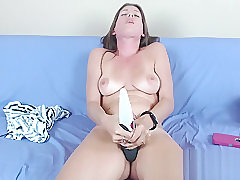 Webcam callgirl finger fucks vag in stockings and heels